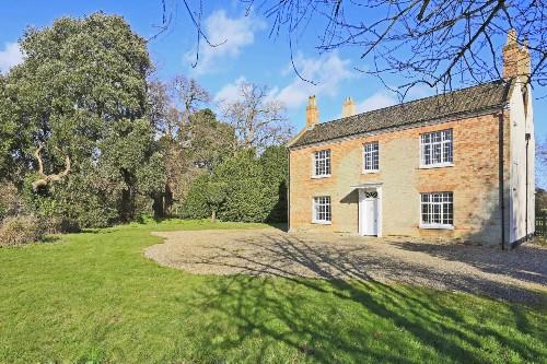 Big cottage for UK holidays